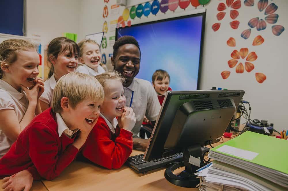 Benefits of Sending Your Kid to British Curriculum Schools